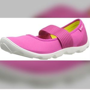 CROCS busy day duet Mary Jane sandals